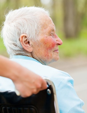 california-elderly-woman-nursing-home